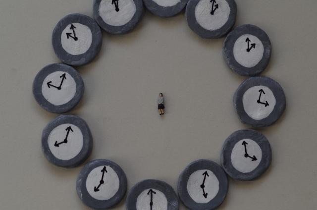 残業時間に関する画像